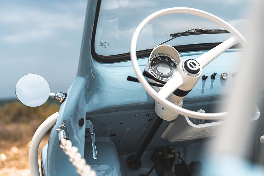 電動車Fiat 500 Jolly Icon-e/Spiaggina/Italy/租車公司Hertz