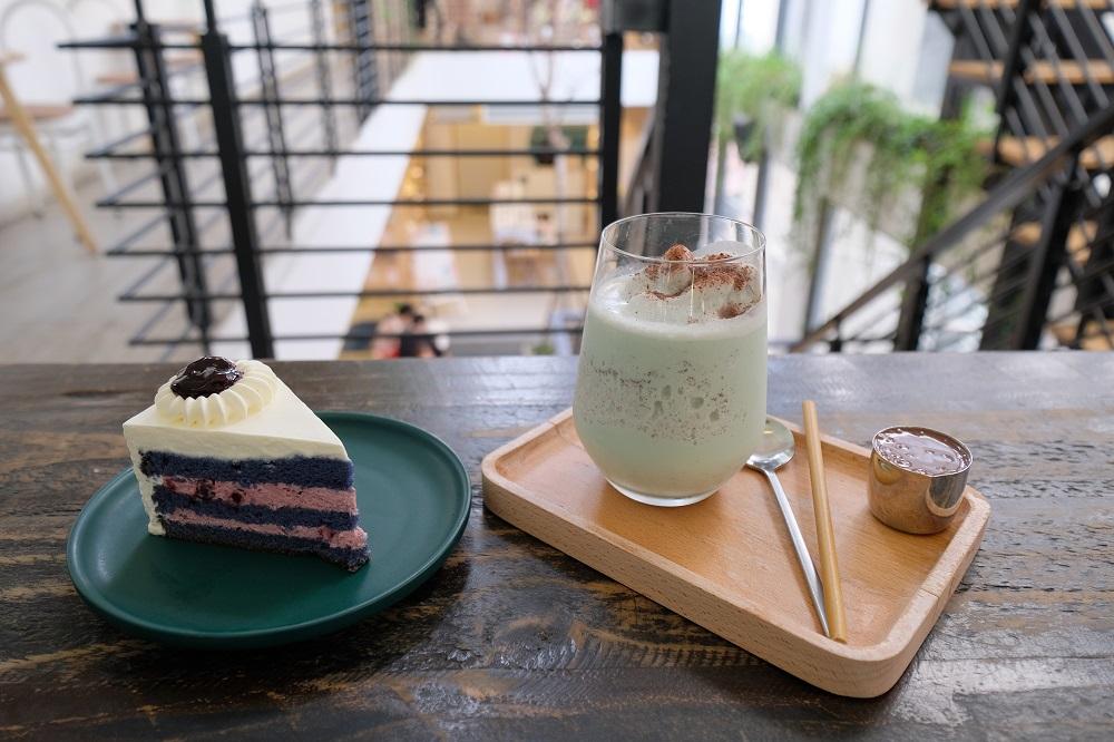 越南/峴港/Wonderlust Cafe & Bakery/越式咖啡/藍絲絨蛋糕/冰薄荷巧克力拿鐵