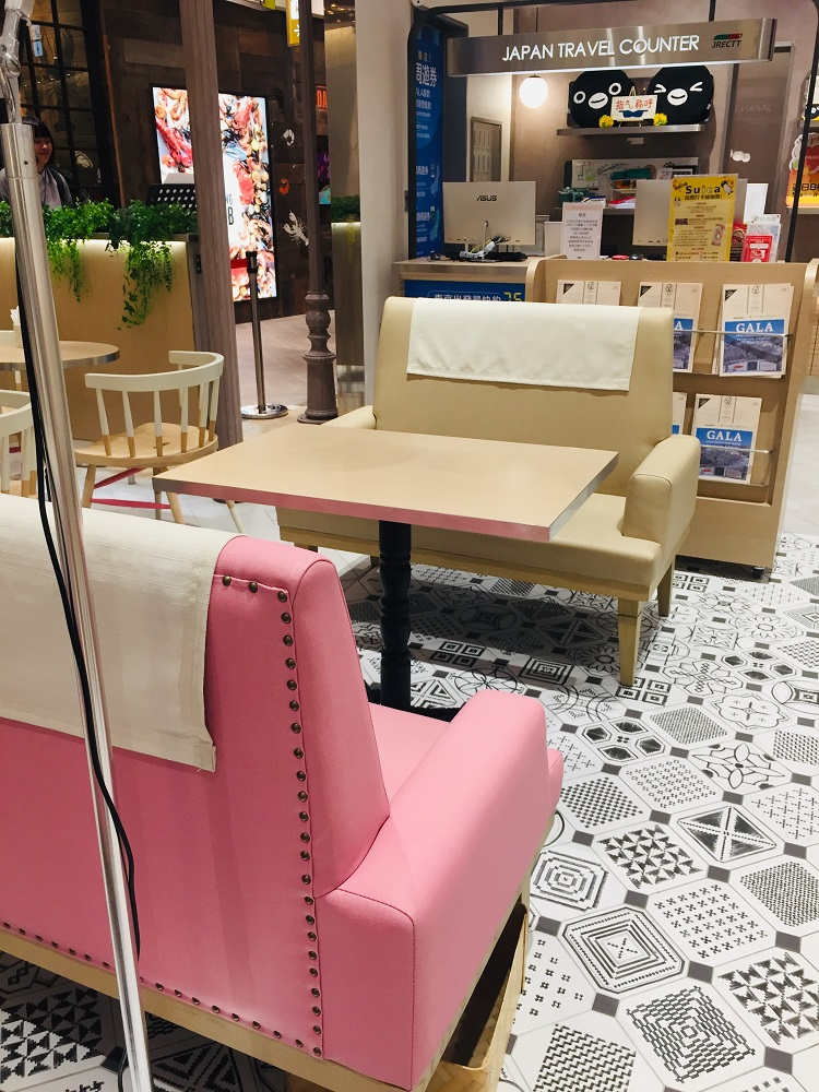 JAPAN RAIL CAFE/台北/微風南山atre/舒適用餐環境/店內布置