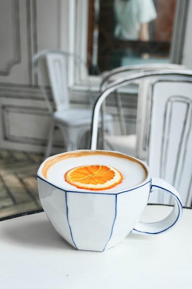 Cafe延南洞223-14/首爾/韓國/網紅名店/走進漫畫世界/香橙咖啡