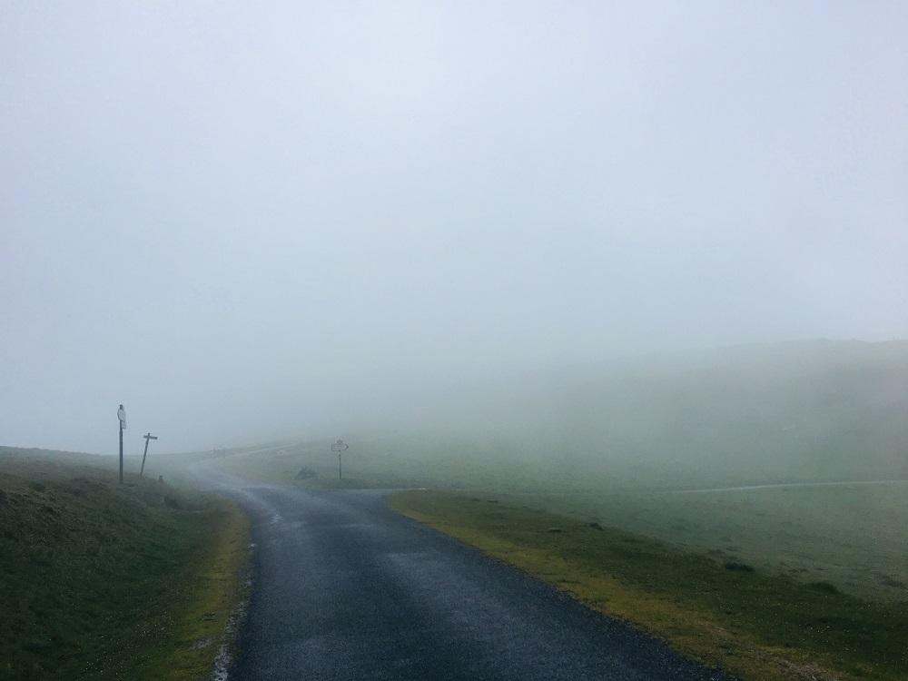 朝聖之路/法國之路/庇里牛斯山/朝聖/大霧/山路