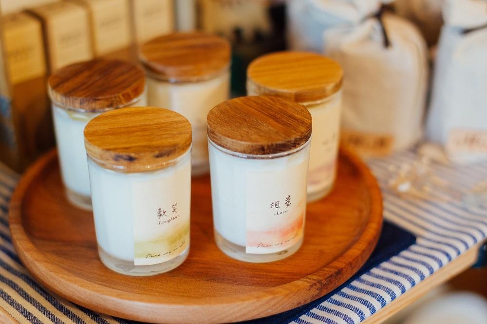 小院子生活雜貨/台中/可愛小物/4樓公寓手工蠟燭/香氛蠟燭