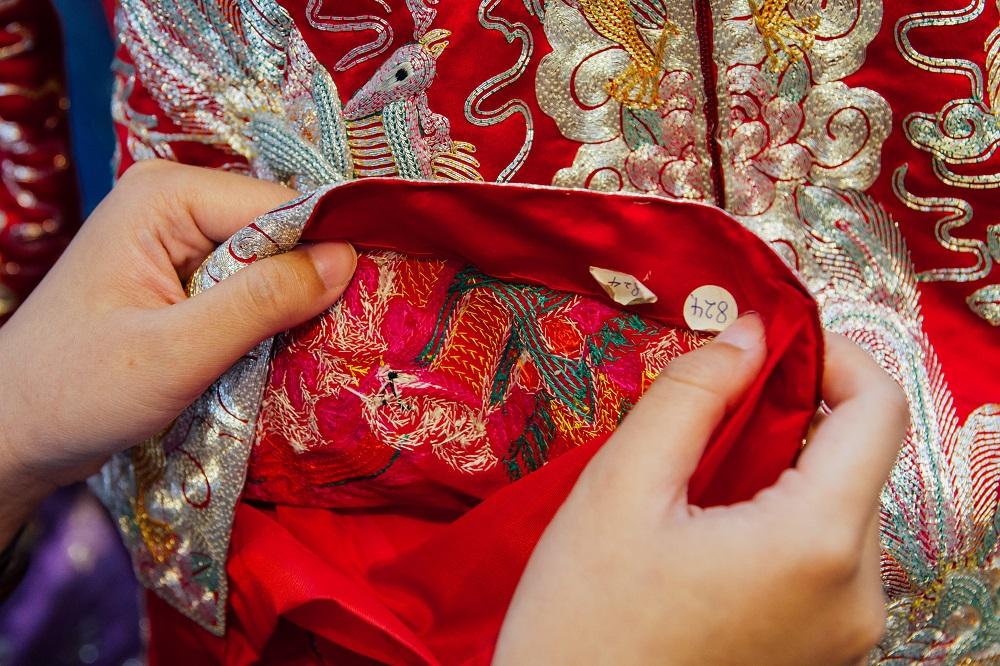 彩生隆褂裙晚禮服公司/澳門/刺繡/大紅嫁衣/褂裙/傳統習俗