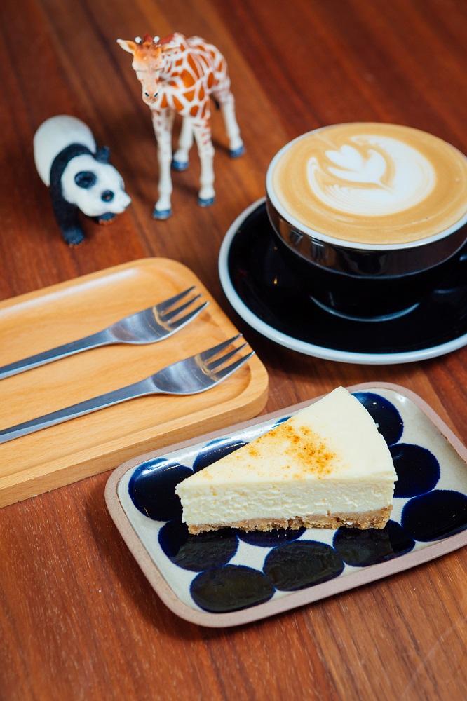勺子雜貨咖啡館/台北/選物店/手作蛋糕/手沖咖啡/動物模型手辦
