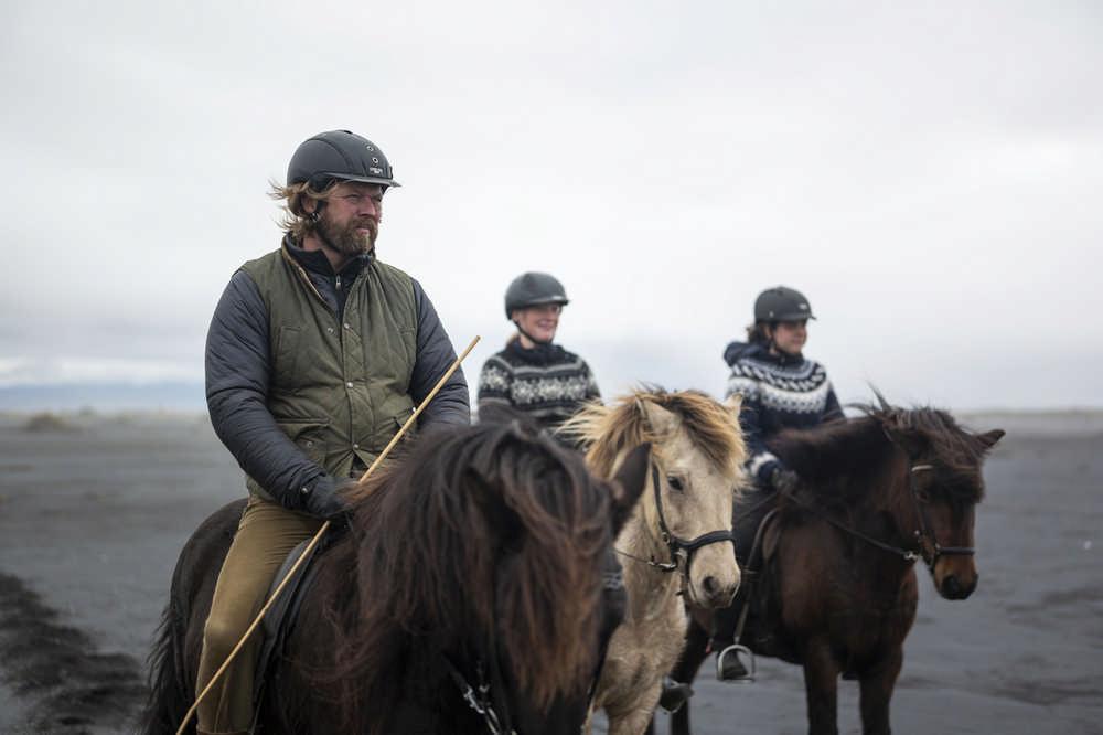 Black Beach Riding Retreat/冰島/冰島馬/Airbnb/騎馬
