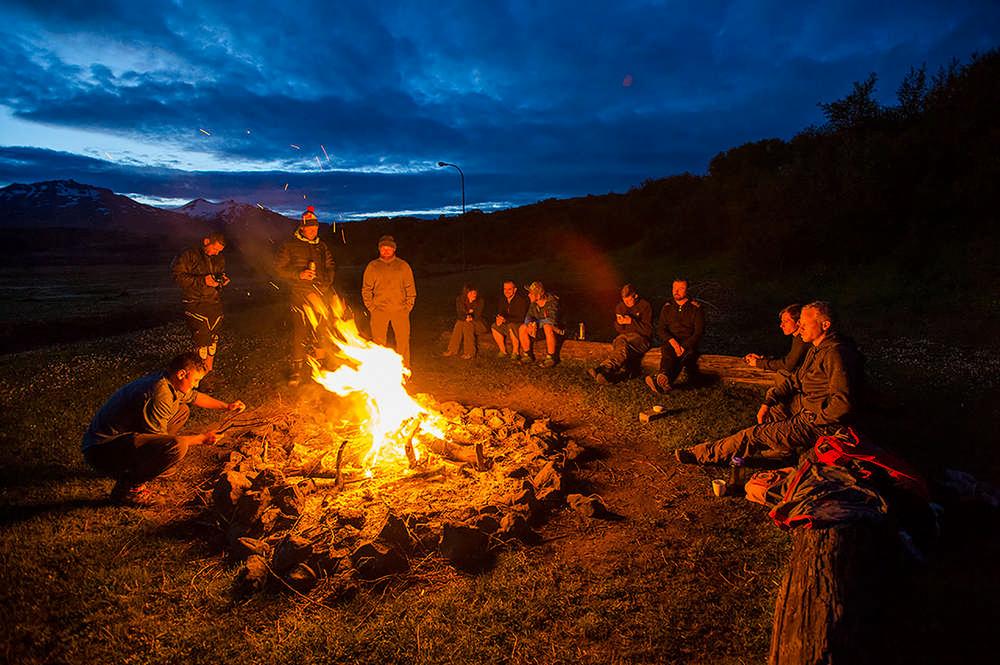 冰島/登山越野車/單線山徑/Sacred Rides/篝火