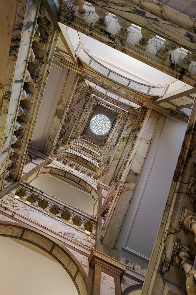 Rosewood London/倫敦/英國/英倫復古/旋轉階梯/極致奢華感