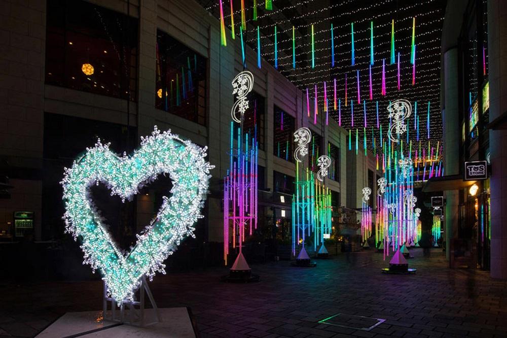 三井Outlet/東京/赤坂Biz塔樓大廈仲通/聖誕燈飾/聖誕燈海/Ice blue
