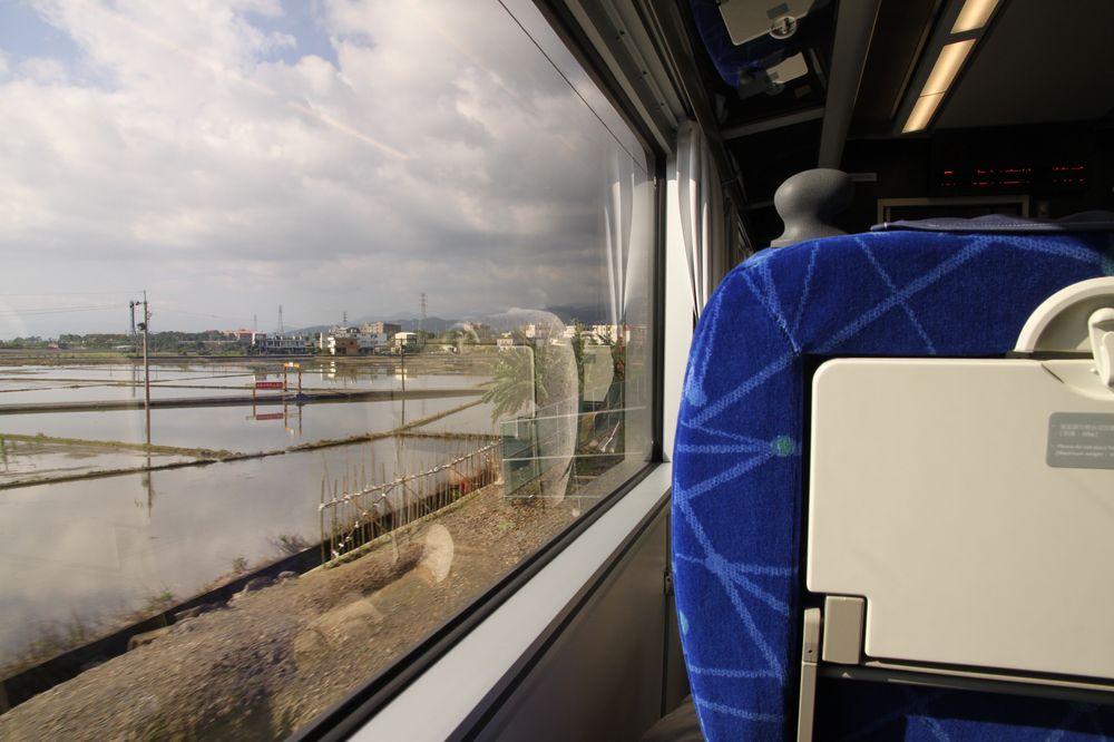 台鐵觀光列車/台鐵/台灣旅遊/秋天的風
