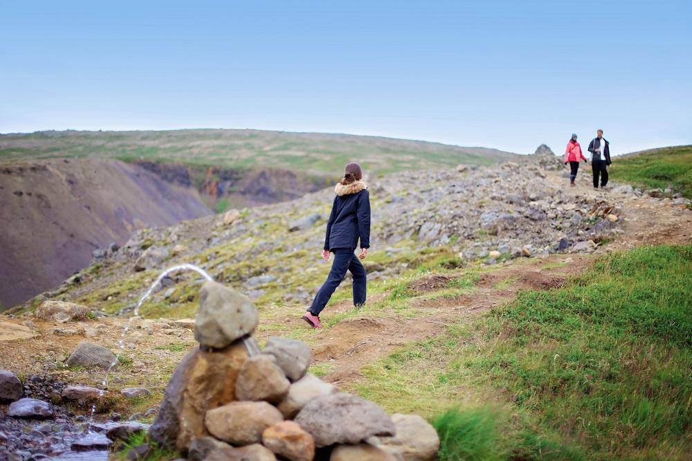 Hotel Húsafell/冰島/ Hvítá 河畔漫步/ 荒野探險/健行