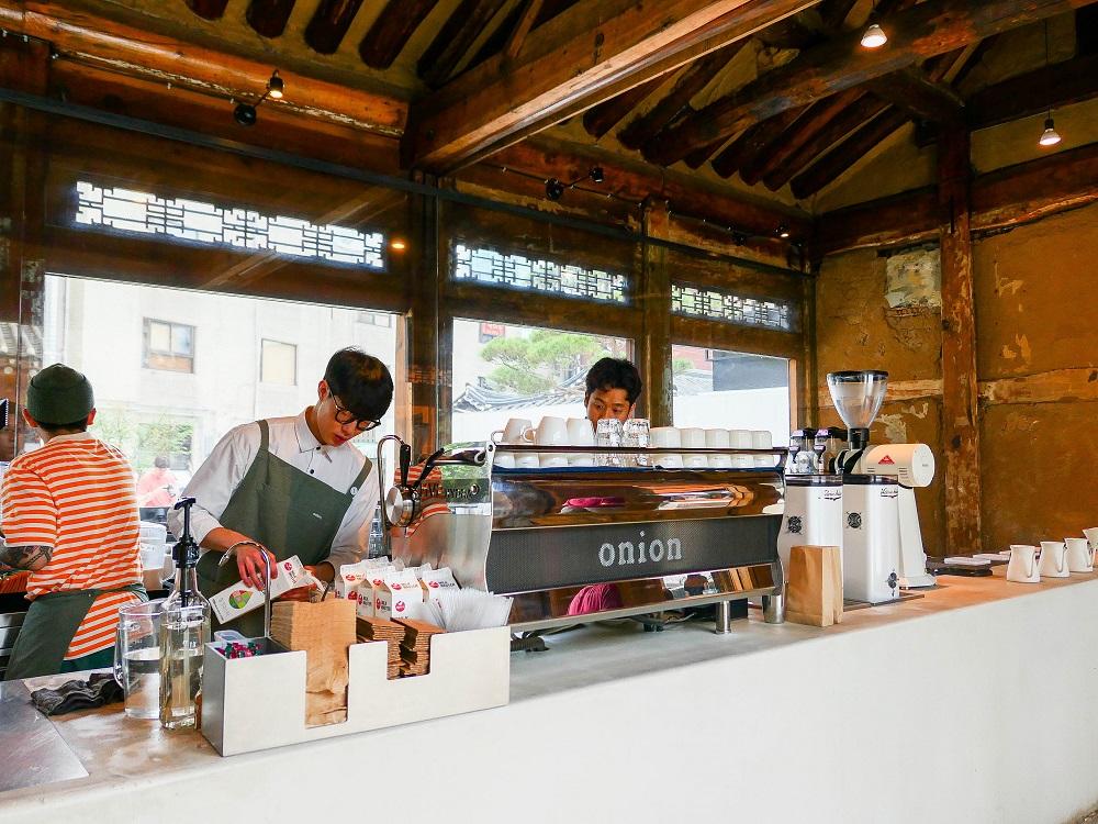 咖啡麵包店Café Onion/韓屋/首爾人氣早午餐店/首爾必吃麵包