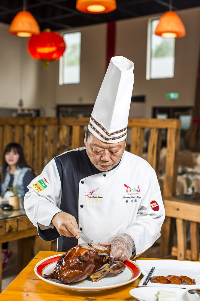 銘師傅餐廳/莊忠銘/花蓮/吉安鄉/現切烤鴨/玉里無毒鴨