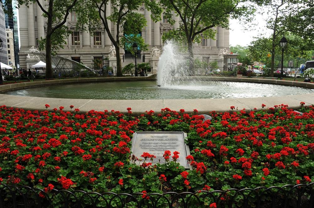 曼哈頓下城/滾球草地/噴泉/美國/金融區