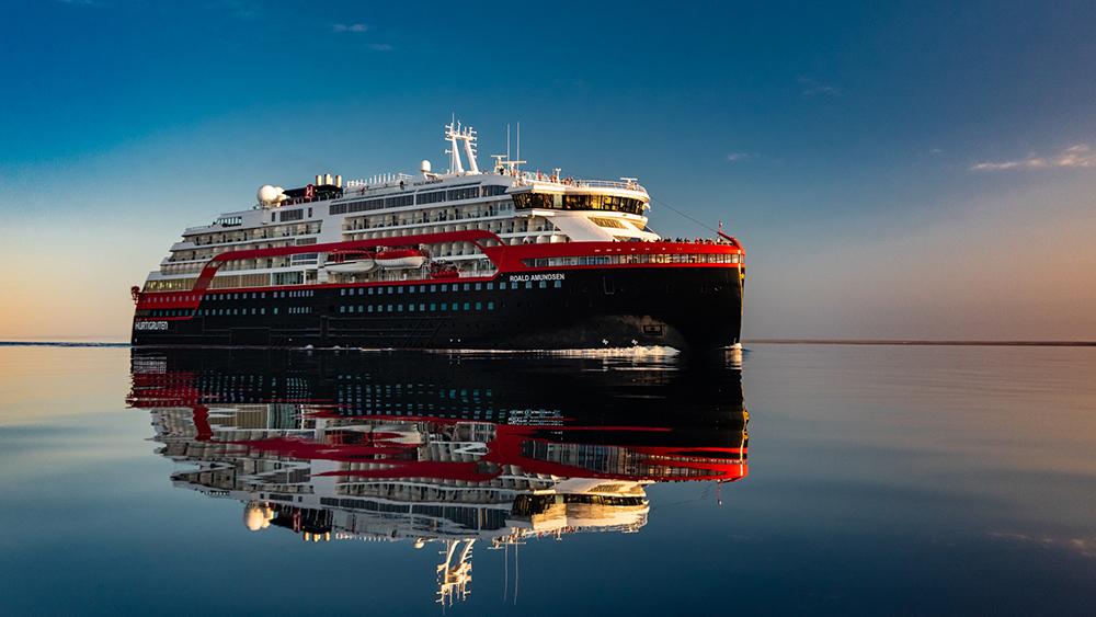 MS Roald Amundsen/Norway//Hurtigruten/ECO Innovati