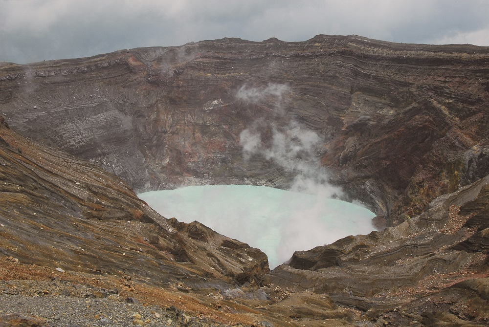 九州/熊本/阿蘇五岳/中岳/界最大的破火山口