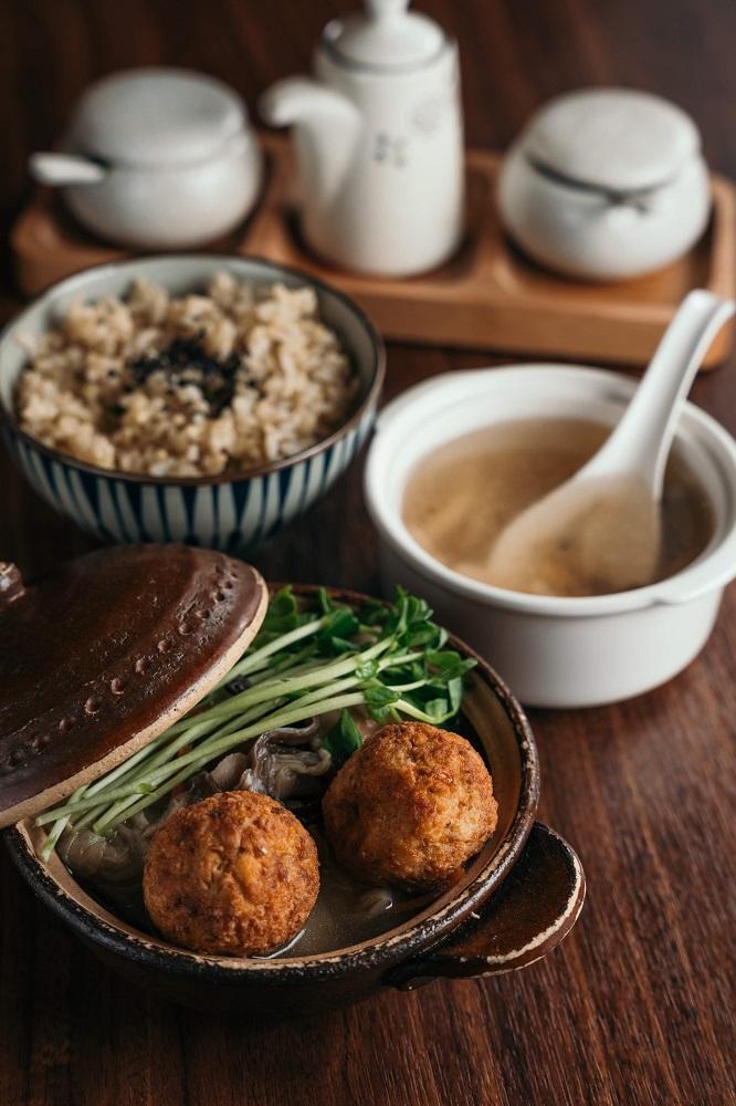 台北米其林認證/上善豆家/人氣蔬食餐廳/滷白菜佐豆腐丸子