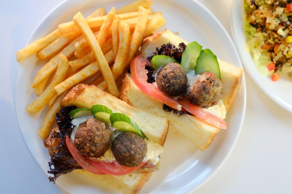 台北/大安區/Port23@Folio/未來肉/炸肉丸起司三明治搭炸薯條