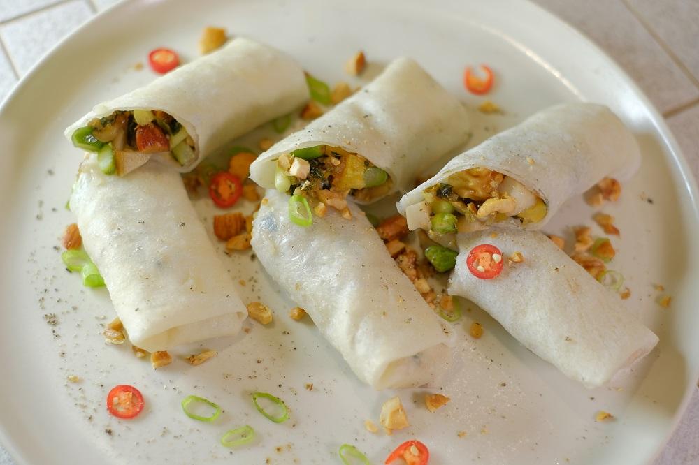 台北微風美食/人氣蔬食餐廳/本食/椒鹽蘆筍堅果潤餅