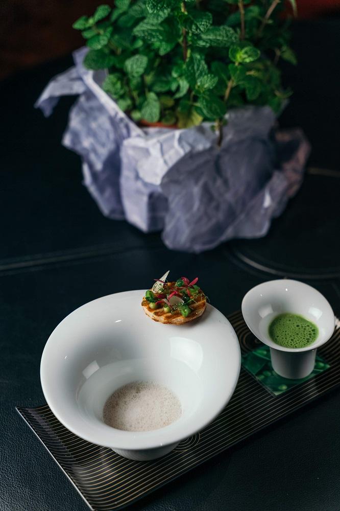 台北米其林蔬食/豌豆冷湯/台北侯布雄法式餐廳