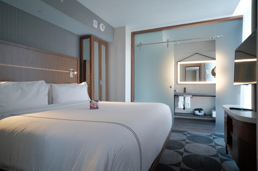 曼哈頓中城HY36皇冠假日飯店/紐約住宿/舒適大床/芳療舒眠