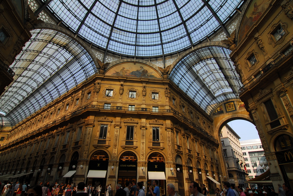 拱廊商店街/米蘭/義大利/Galleria Vik Milano