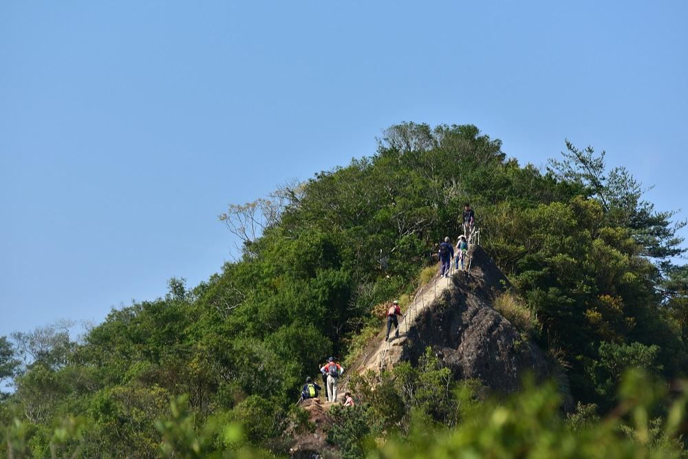 五寮尖步道/登山步道/登山挑戰/攀爬稜線/峭壁雄風/獨立峰