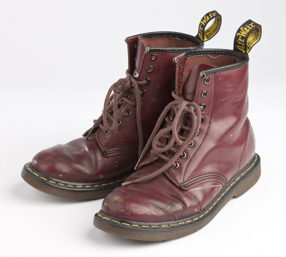 Dr. Martens 60周年/馬汀靴/櫻桃紅1460/反叛精神/AirWair鞋底設計