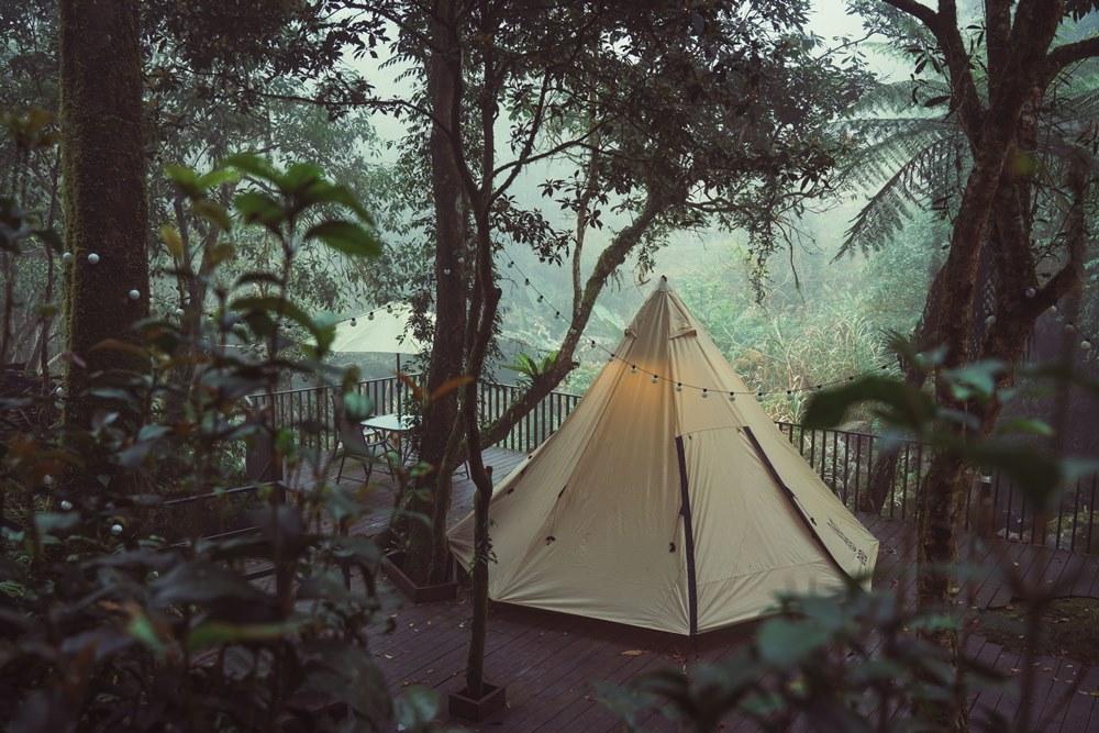 新竹豪華露營區「飛鳥恰恰」