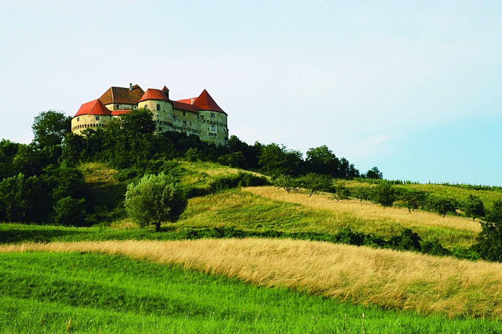 克羅埃西亞隱身山間的維利基塔波城堡