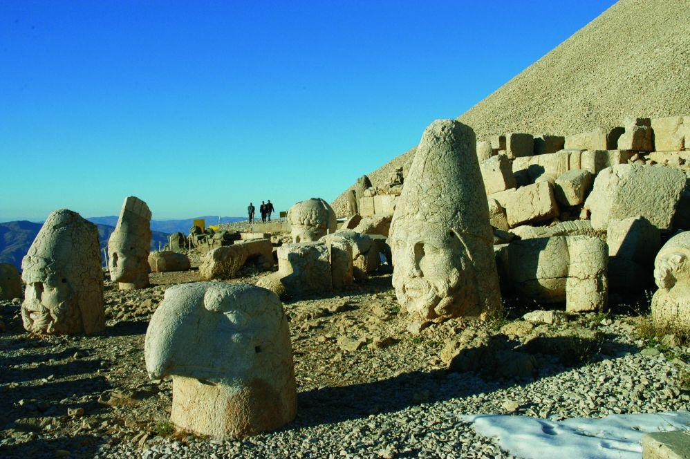 土耳其7月旅遊推薦前往觀賞尼姆魯特古文明