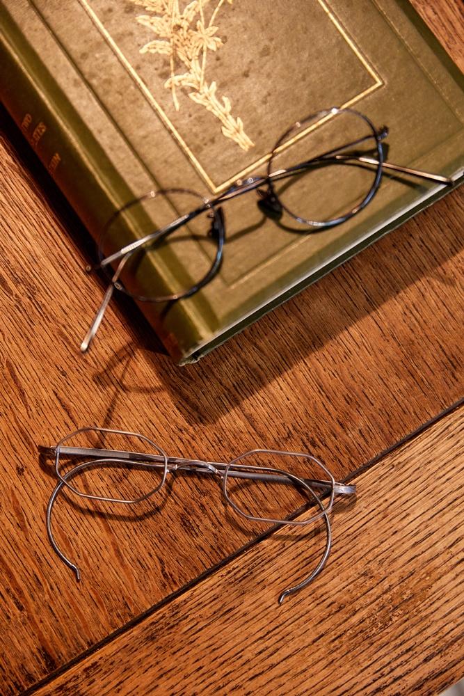 近代復刻20世紀初期形式的勾耳鏡框 / 靑苔Moss Archives/家具/服飾/創意生活選物店/