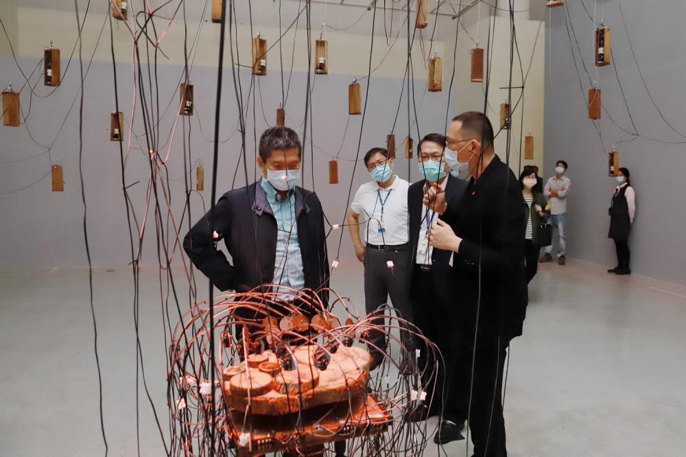 文化部部長參觀/禽獸不如--2020台灣美術雙年展/國立臺灣美術館/台中/台灣