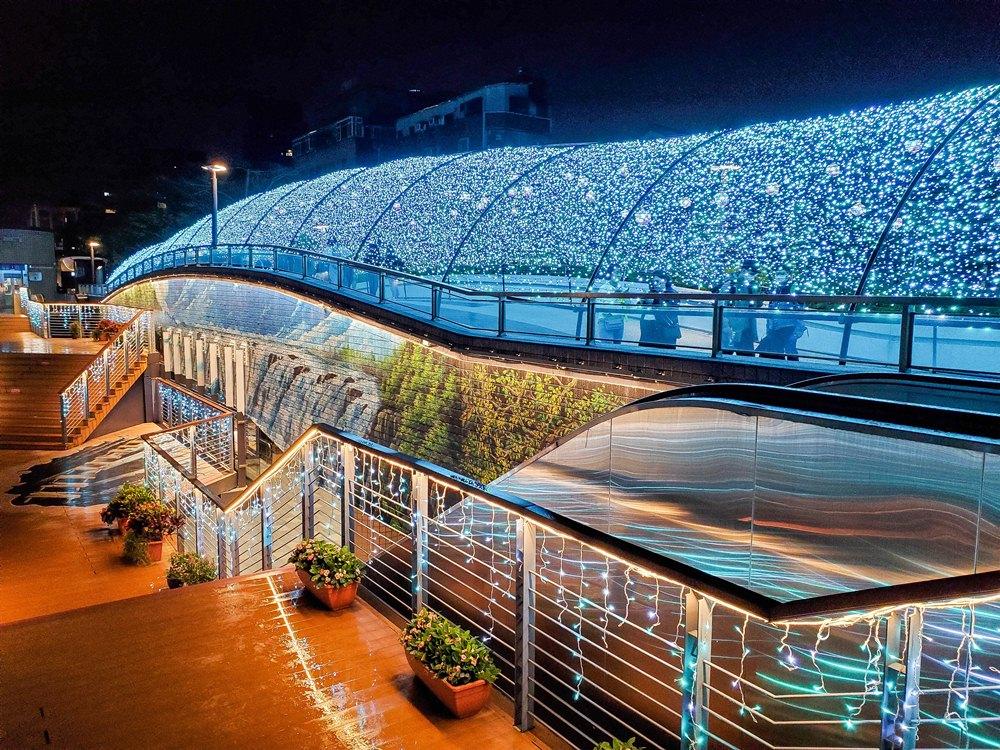 冰藍銀河光廊/閃耀心中山/聖誕節/心中山線形公園/台北/台灣