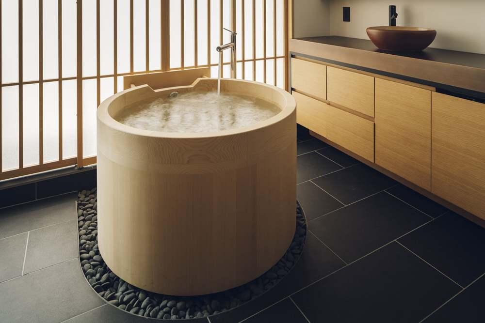檜葉浴槽/房間/nol kyoto sanjo/酒造改建/飯店/京都/日本