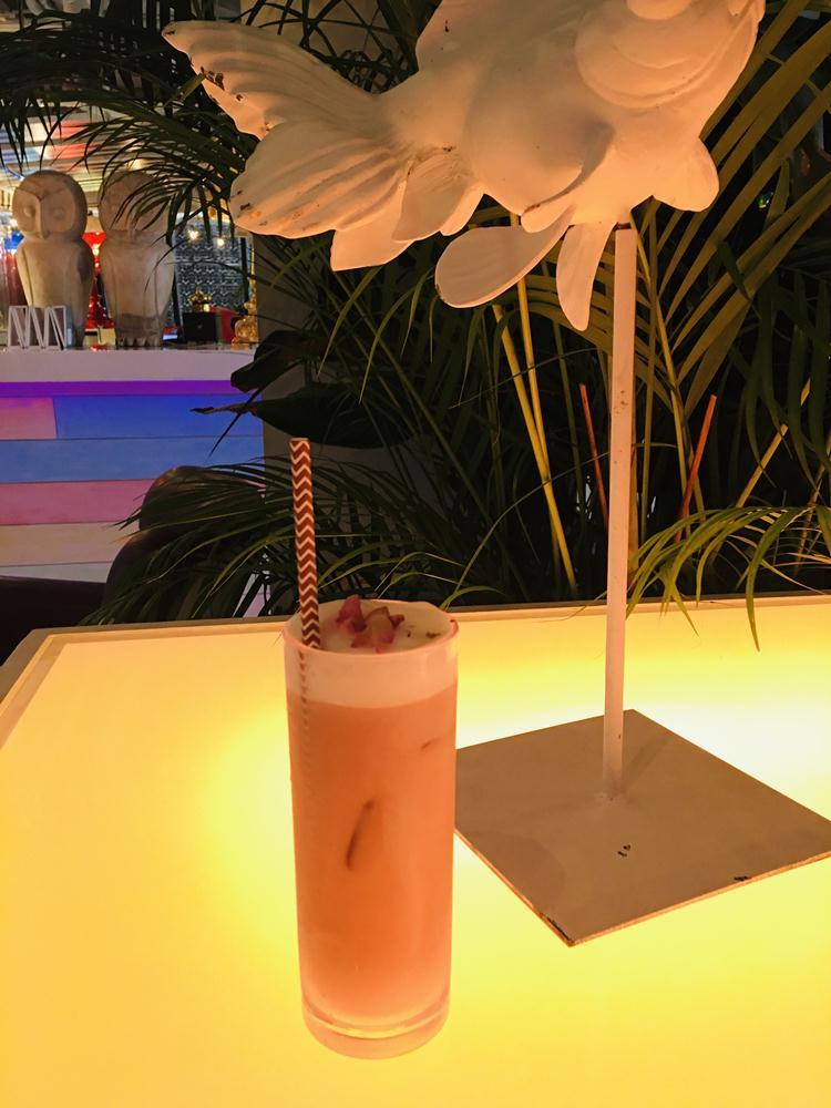 伯爵玫瑰鮮奶茶/Costa Blanca Taipei/酒吧/信義區/台北/跨年/台灣