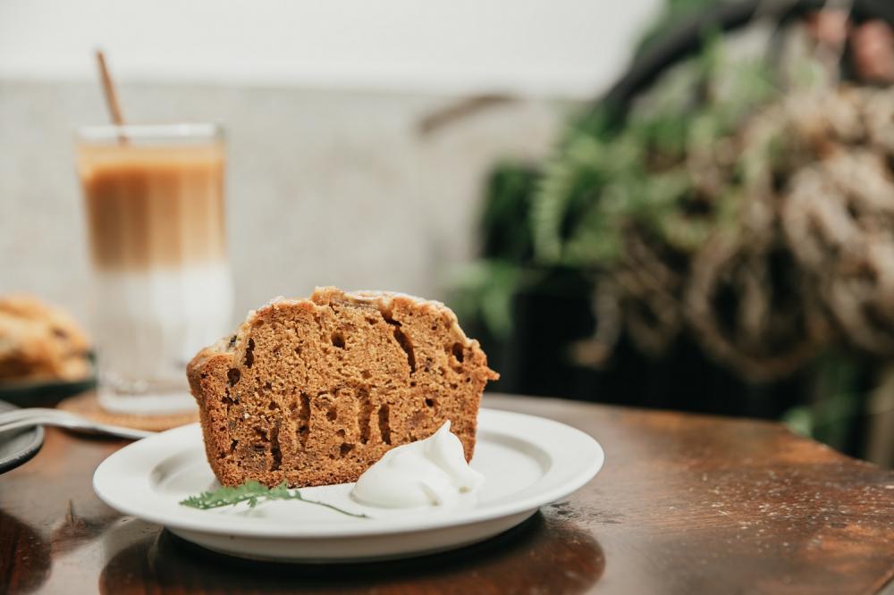 焦糖香蕉磅蛋糕/明天的動物山/肉桂捲/咖啡廳/美食/高雄/台灣