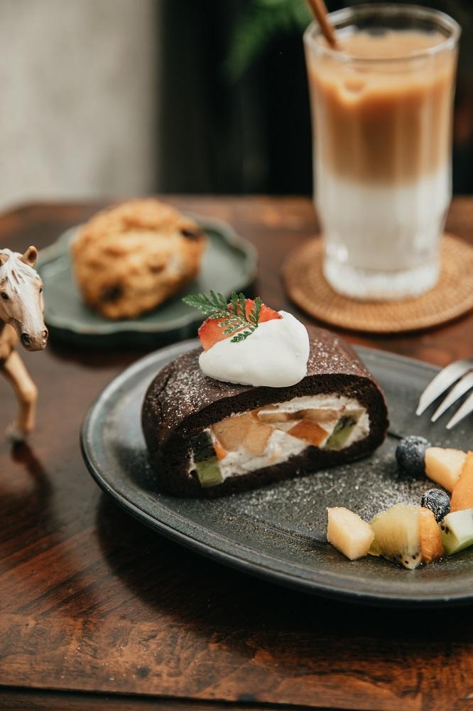 巧克力水果卷/明天的動物山/肉桂捲/咖啡廳/美食/高雄/台灣