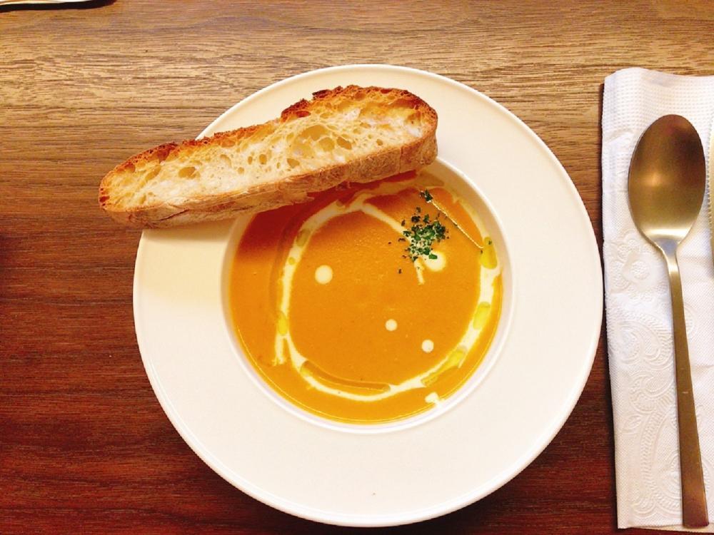 一碗湯+麵包脆片/OOOO Studio/咖啡館/台北/台灣