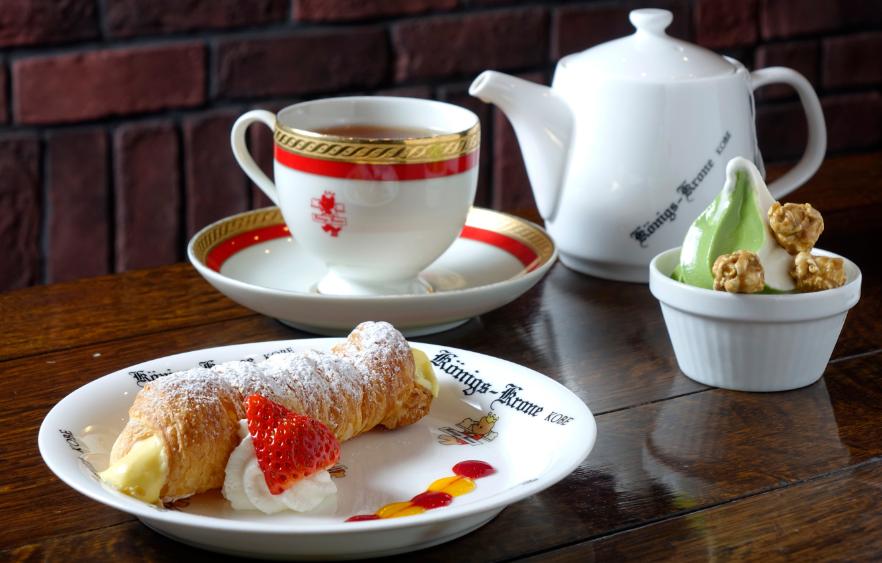 冰淇淋/茶/草莓蛋糕/甜點/神戶/日本