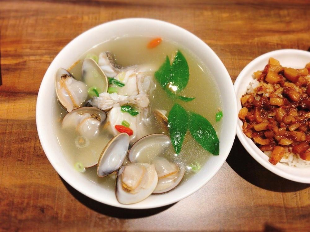 石斑魚湯中段/超人鱸魚湯/餐館/新店/台北/台灣
