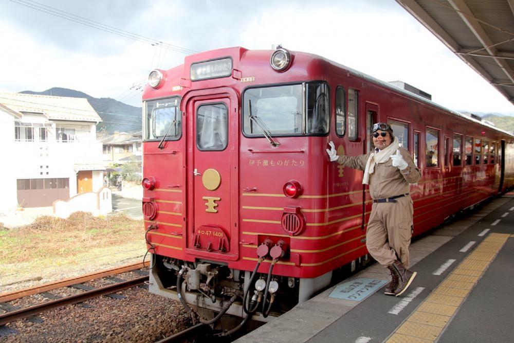 火車外觀/伊予灘物語列車/觀光列車/旅遊/日本