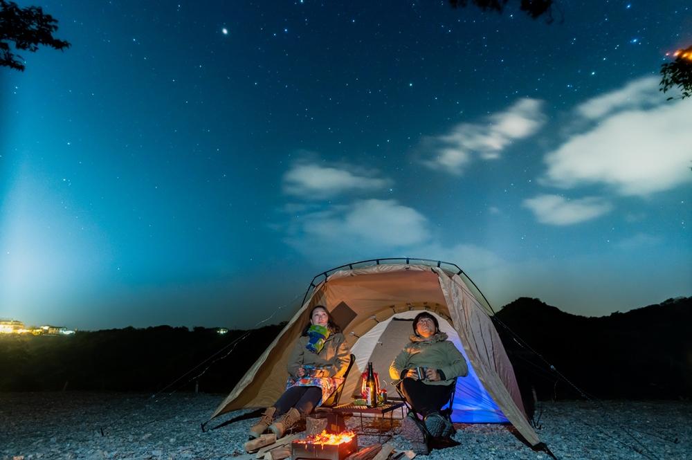 圓錐形喀斯特步道/露營/沖繩/日本