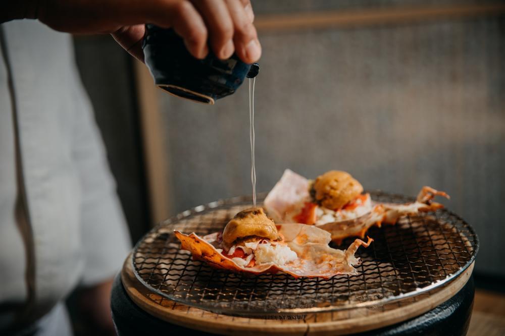 活體鱈場蟹甲羅燒/月夜岩 蟹懷石/日式料理/美食/台北/台灣