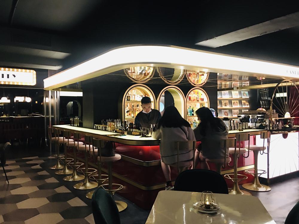 座位/空間/Kitty Taipei/百家樂/酒吧/東區/台北/台灣