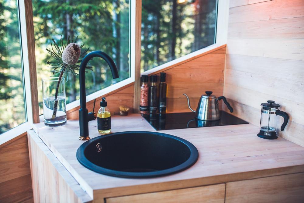 廚房/內部/森林樹屋/Woodnest/住宿/挪威