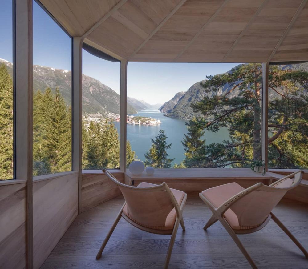 玻璃窗/內部/森林樹屋/Woodnest/住宿/挪威