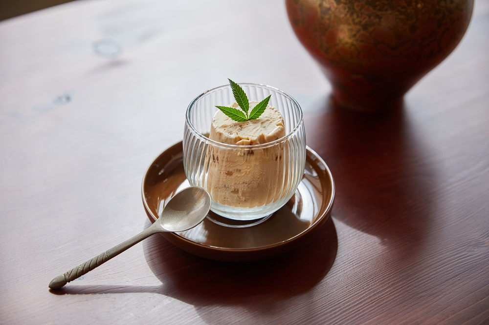 雪藏綜合堅果冰糕/甜點/沙丘/老屋咖啡廳/美食/台北/台灣