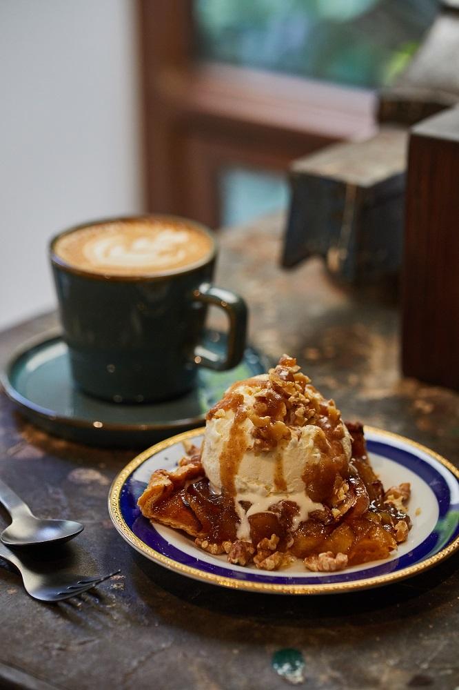 蘋果派佐冰淇淋/甜點/寧靜森林/咖啡廳/美食/台南/台灣