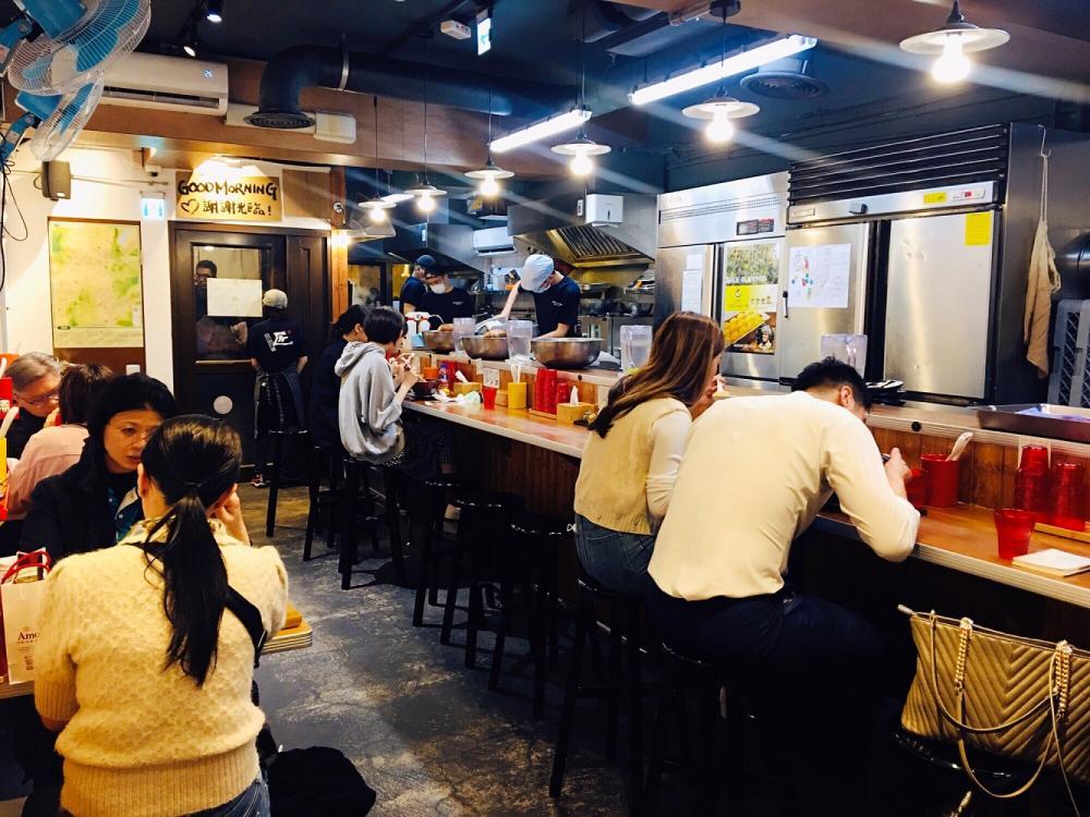 用餐環境/開放式空間/京都柚子豚骨拉麵研究中心/中山區/台北/台灣