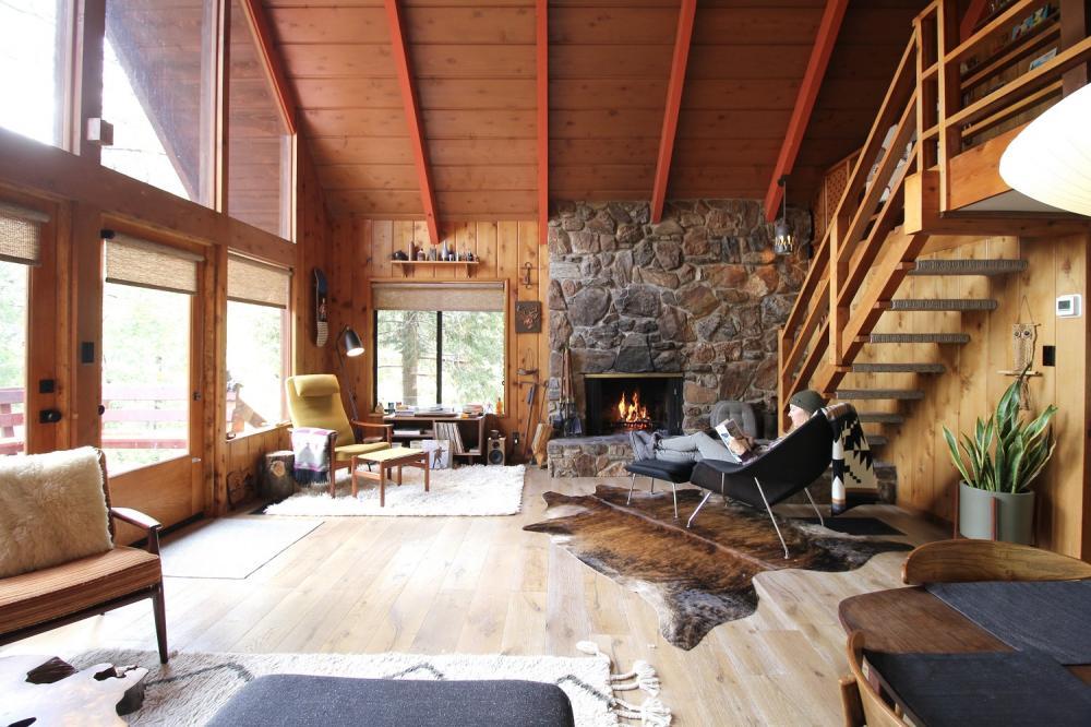 木屋內部/私人山間度假小木屋/住宿/加州/美國